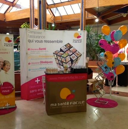 Stand textile parapluie courbe soli 39 expo for Comptoir stand salon